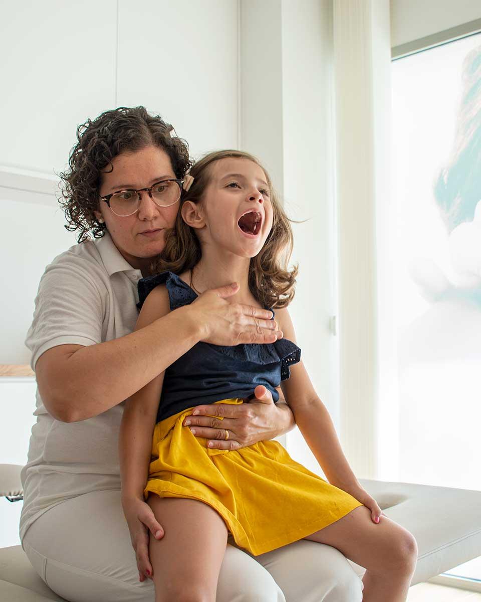 Técnicas de fisioterapia respiratoria para niños